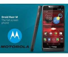 CERO DETALLES 9 de 10 MOTOROLA RAZR M XT907 liberado. 1 gb de ram, Android 4.4 y camara de 8 MP