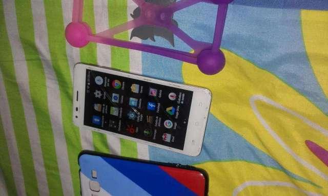 se vende celular avvio 930
