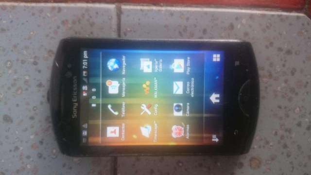 Sony Ericsson Live WT19a