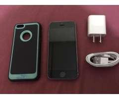 Vendo iPhone 5S de 32 Gb Libre de Fabric
