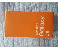 Vendo Samsung Galaxy J5 NUEVO