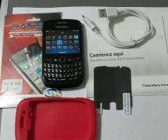 $30 Neg. Blackberry 8520 Liberado