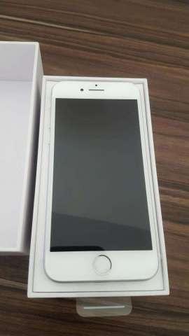 Iphone 8 64gb totalmente nuevo en caja con accesorios