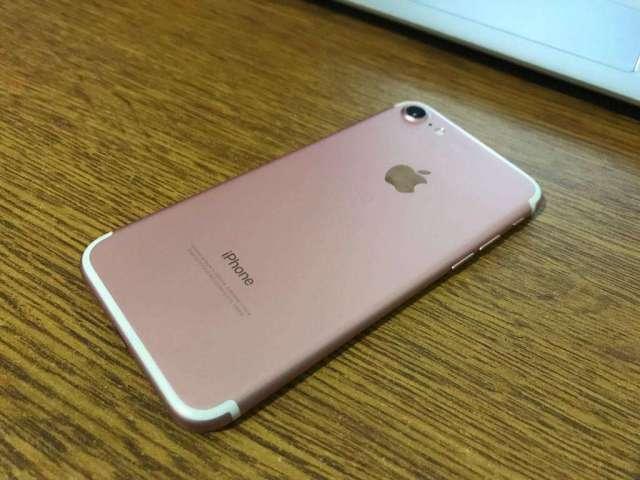 VENDO IPHONE 7 DE 32GB ROSADO ROSE TIGO PRECIO 450 FIJOS