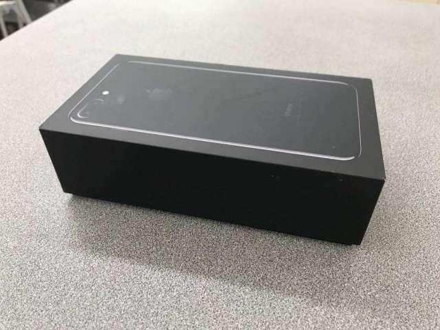 VENDO IPHONE 7 PLUS DE 128GB TIGO PRECIO 700 FIJOS