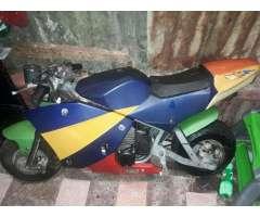 Moto de Gasolina para Niño de 16 Años