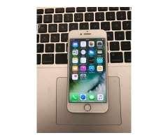 Vendo IPhone 7 de 32Gb de almacenamiento color Plata