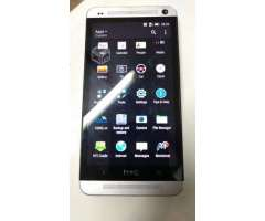 HTC One M7, dual SIM, 32 GB internos, 2 GB ram.